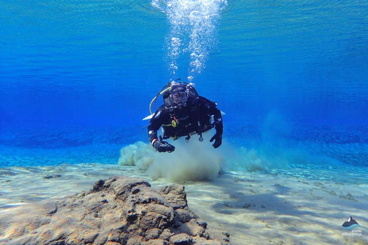 Diving-Silfra-Thingvellir-Iceland