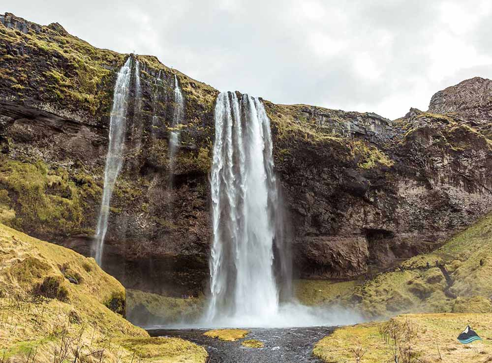 Seljalandsfoss-Waterfall-South-Coast-Iceland
