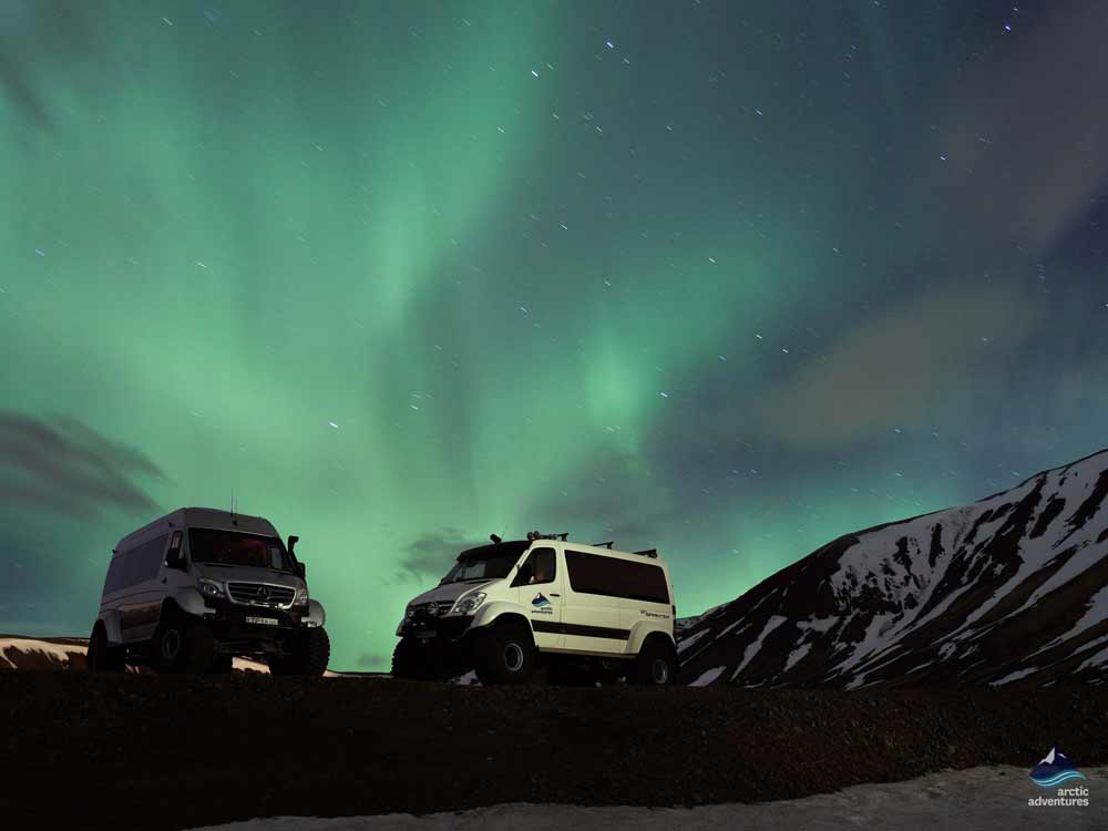 Northern-Lights-Explorer-Aurora-Borealis-SuperJeep-Tour- Iceland