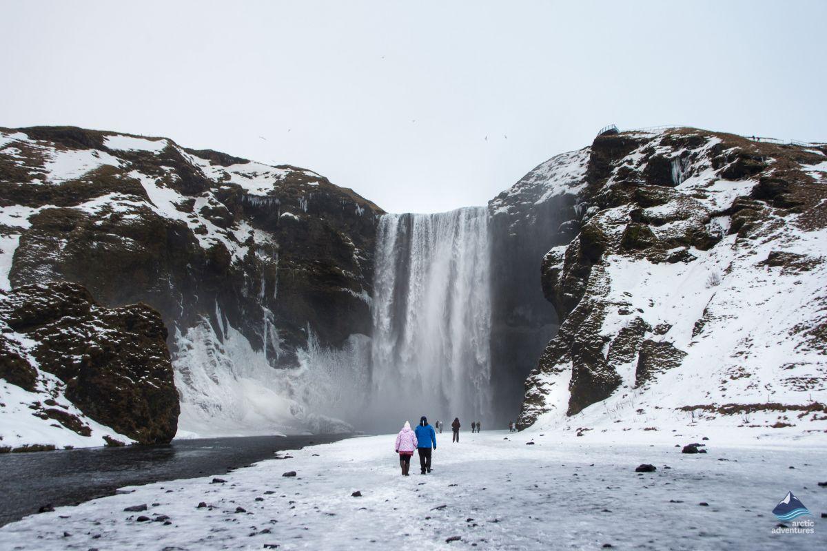 Skogafoss-Waterfall-South-Coast-winter-Iceland