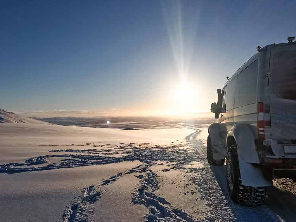 Super-Jeep-tour-Iceland