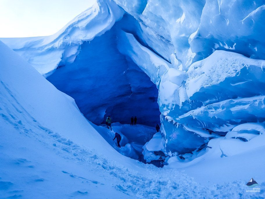 Opening cave at Kerlingarfjoll