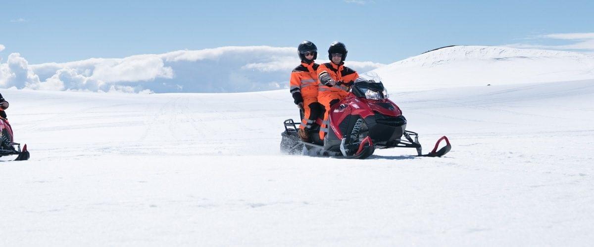 Schneemobilfahrt geheime lagune selbstfahrertour arctic adventures - Jarlhettur iceland ...