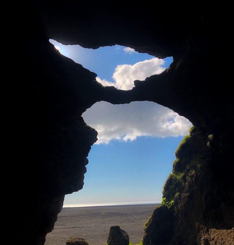 Hjorleifshofdi Cave