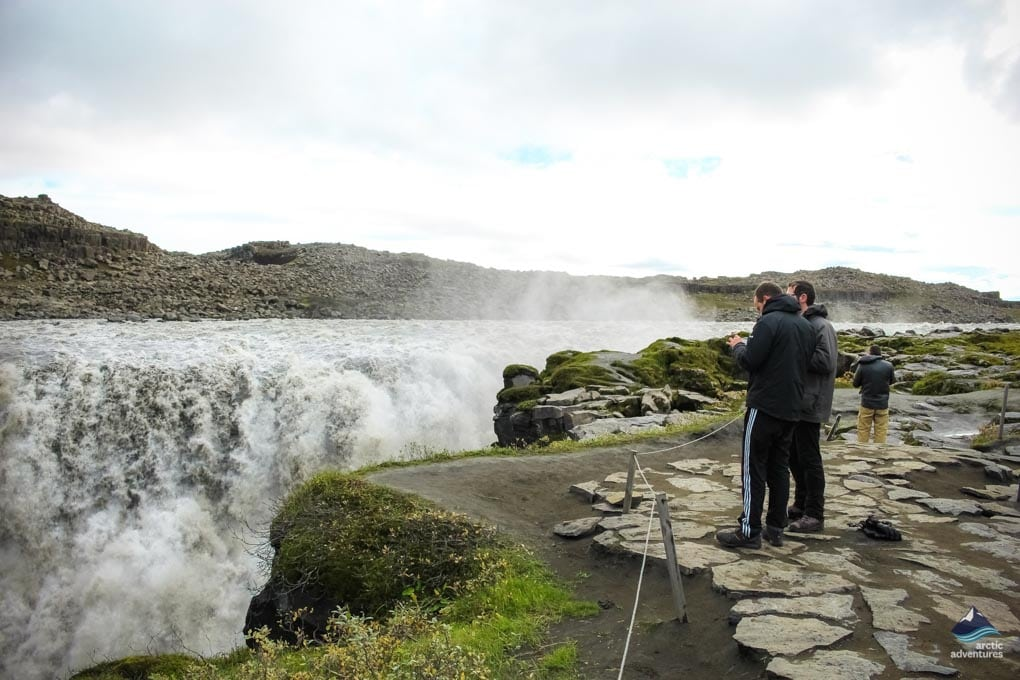 Hiking to Dettifoss waterfall