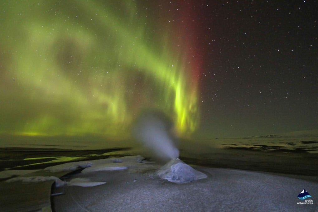 Northern Lights dancing above Hveravellir Hot Spring