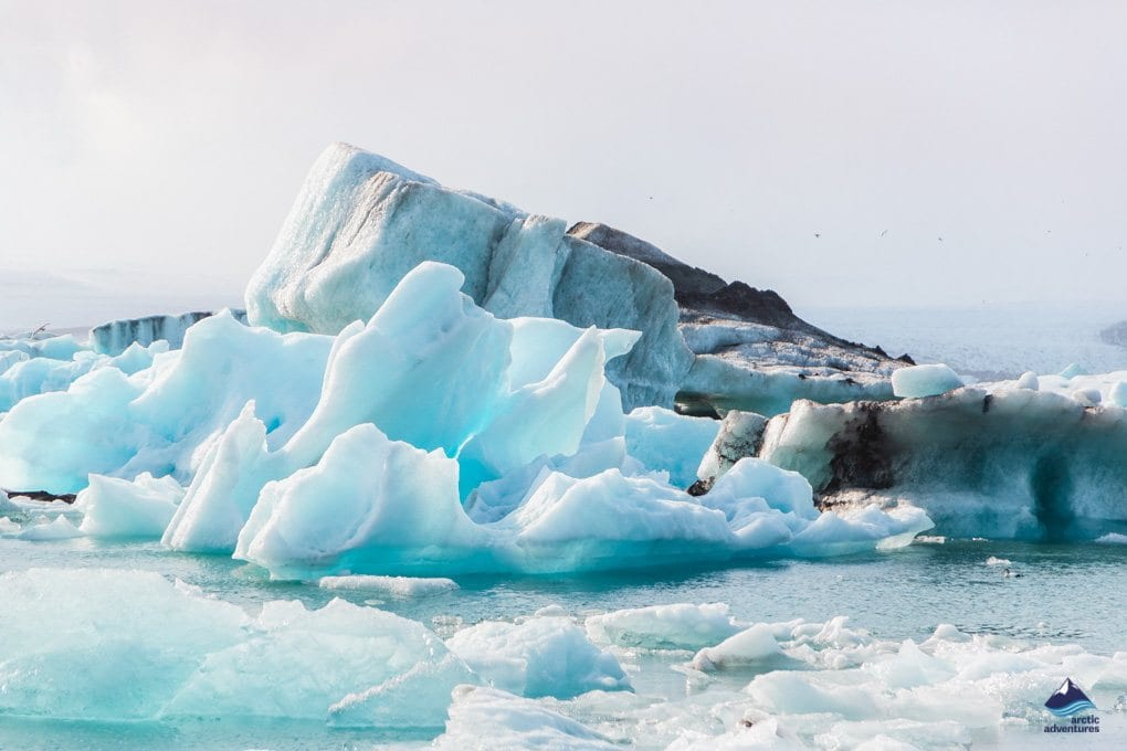 Beautiful ice bergs on Jokulsarlon glacier lagoon