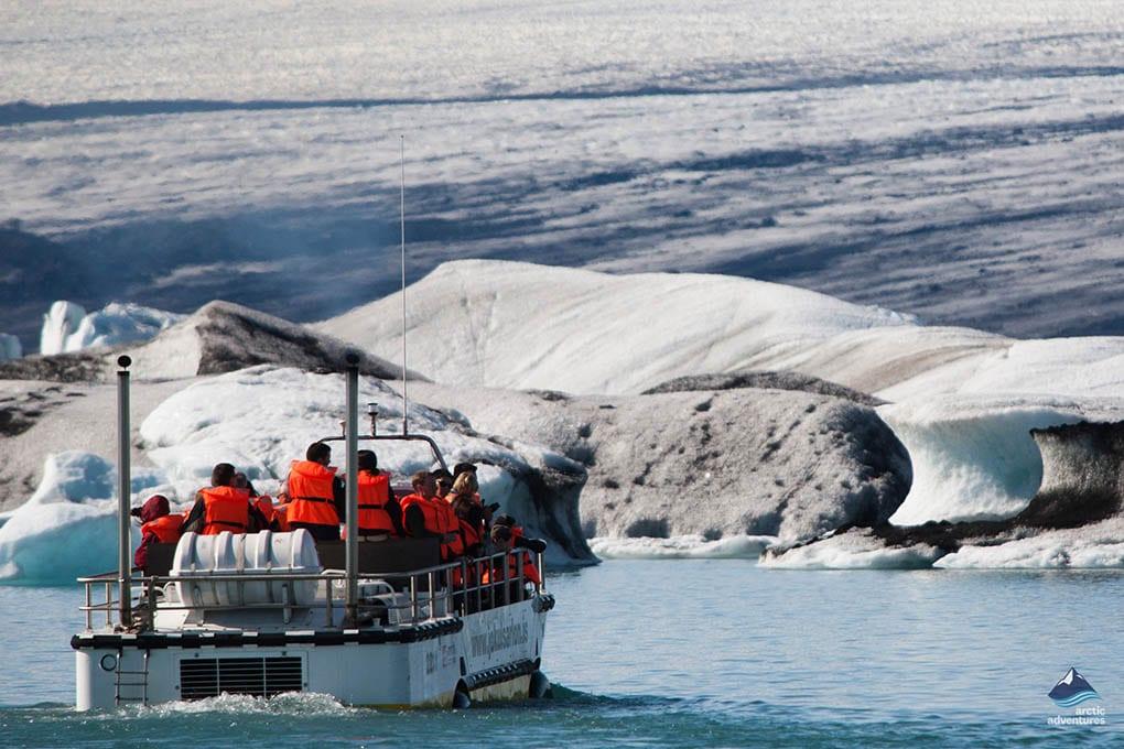 sailing on jökulsarlon ice lagoon