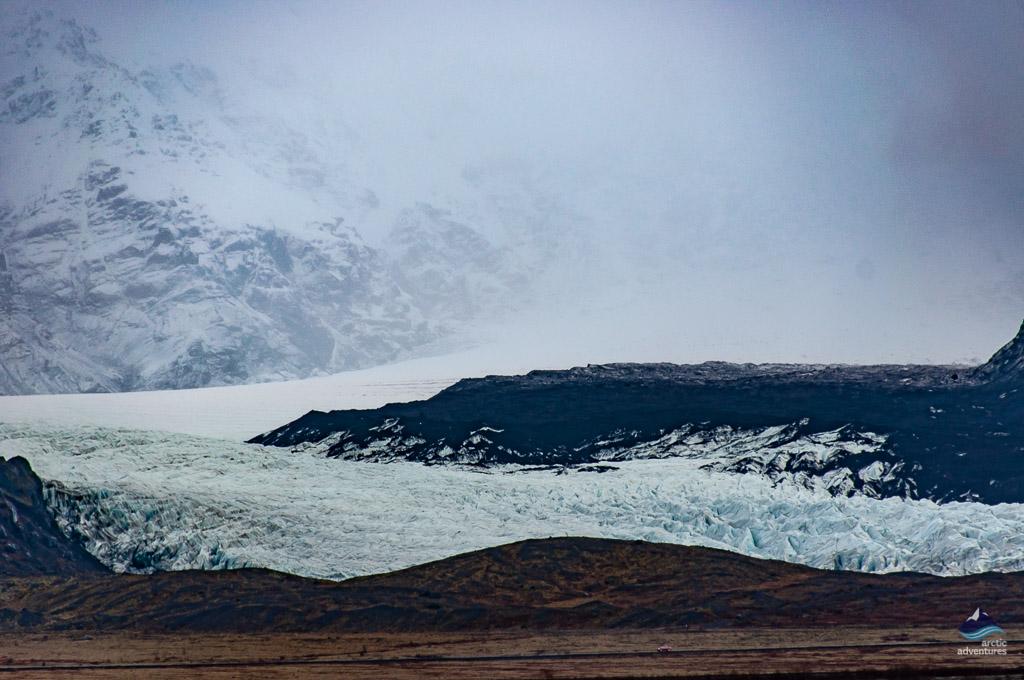 从雷克雅未克去往瓦特纳冰川路上可以路过壮观的瓦特纳冰川冰舌