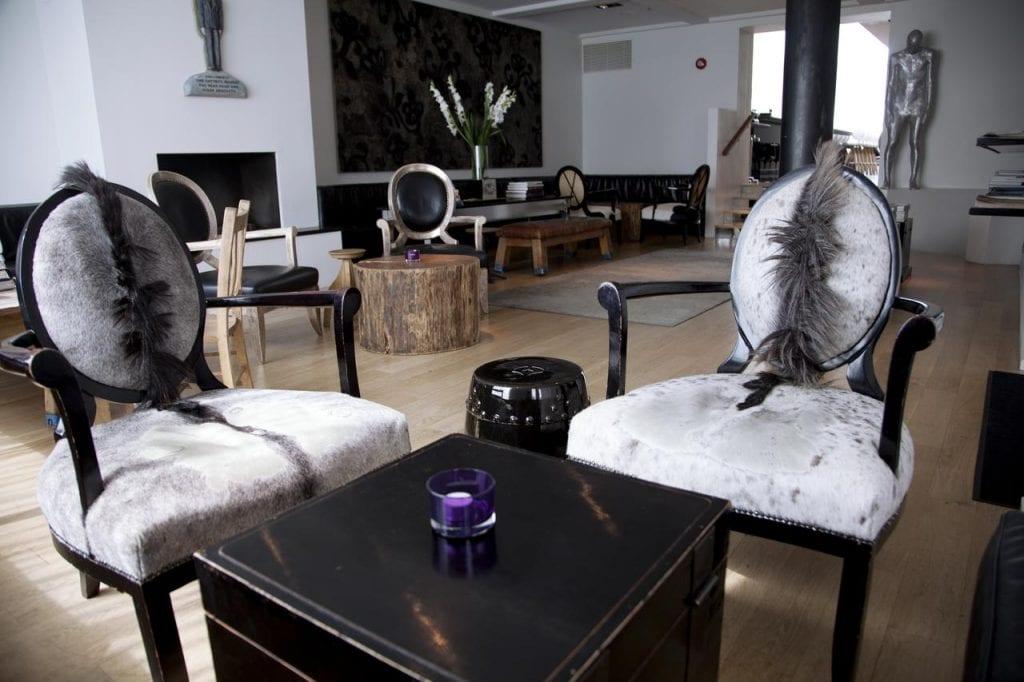101 Hotel Lounge