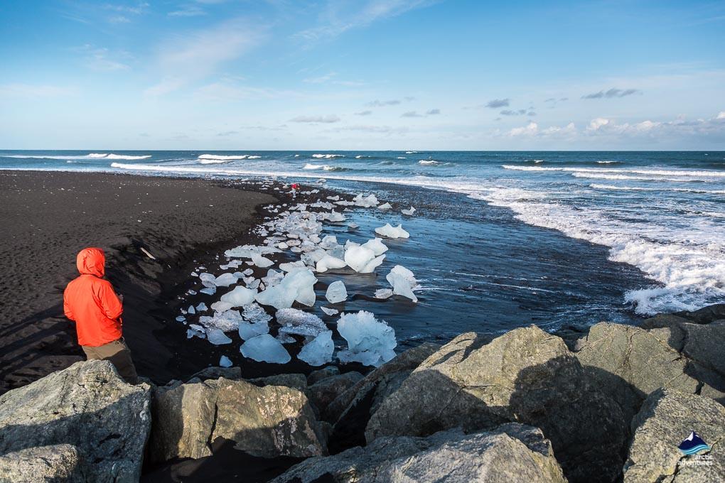 钻石沙滩散落的冰山碎片