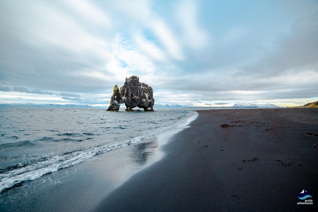 犀牛石海边倒影