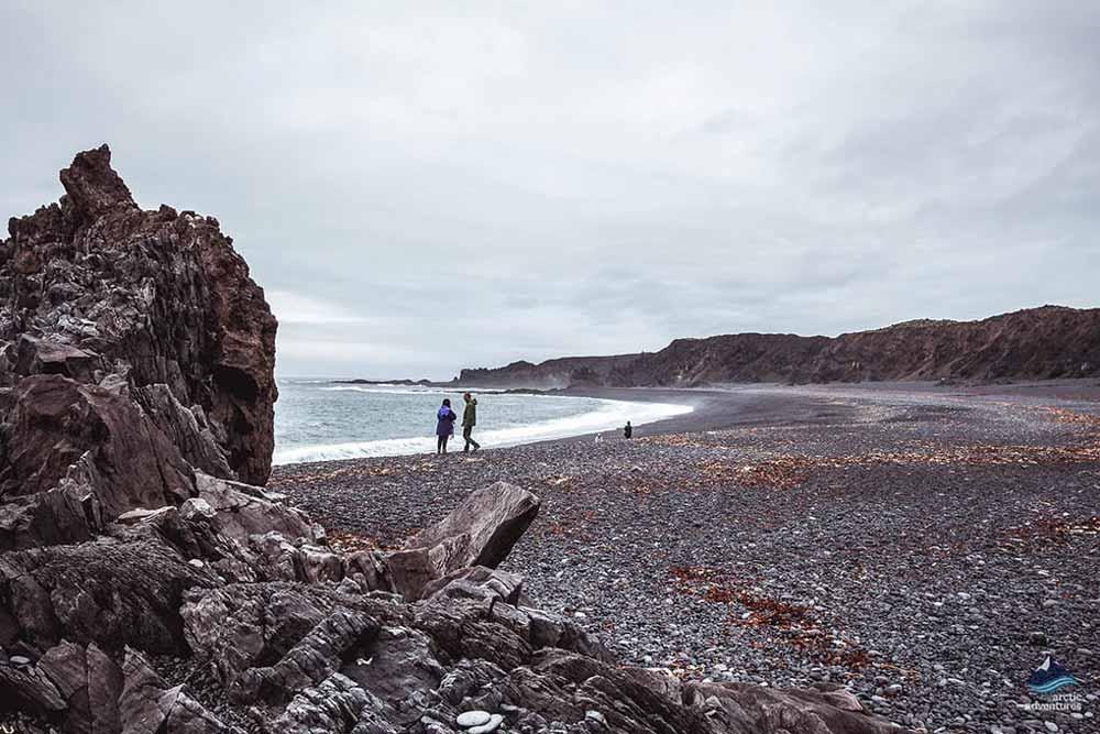斯奈山半岛鹅卵石沙滩