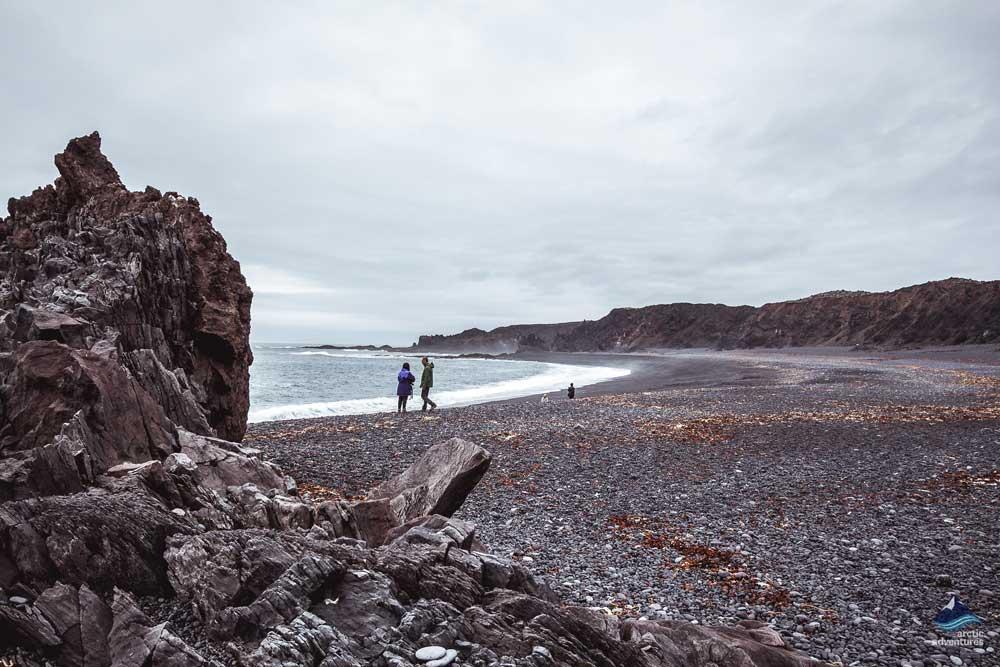 斯奈山半岛黑沙滩