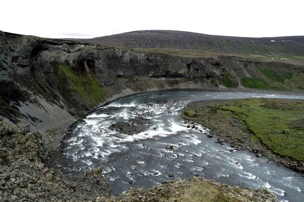 Aldeyjarfoss canyon