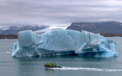 icebergs-glacier-lagoon