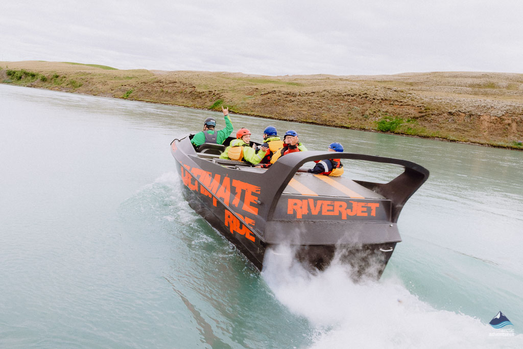 drifting-through-hvita-river