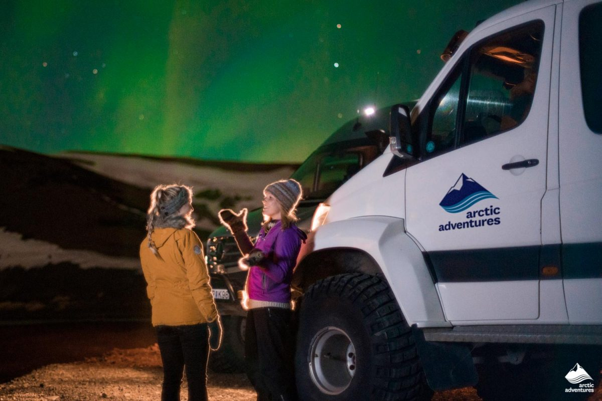 Observing Northern Lights near Superjeep