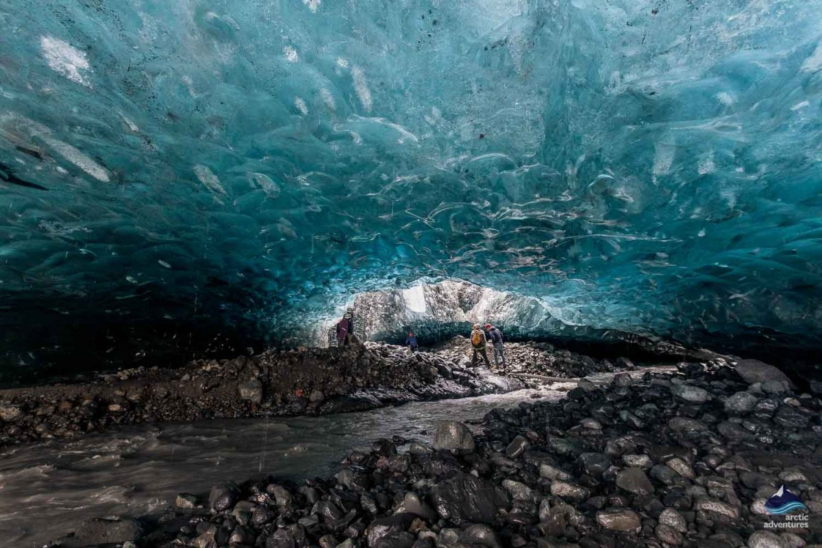easy-ice-cave-exploring-south-coast