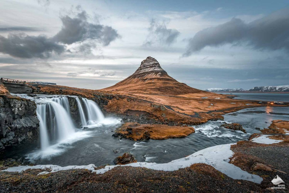 Kirkjufellsfoss waterfall and kirkjufell mountain